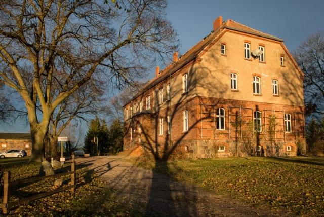 Haus Neudorf im Herbst